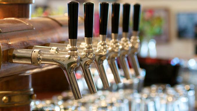 Alkoholsucht vererbbar - © AK-DigiArt - Fotolia