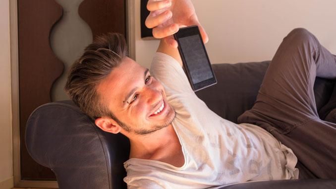 Handys machen süchtig - © engy1 - Fotolia