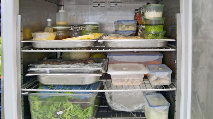 Verdreckter Kühlschrank - © Lucky Dragon
