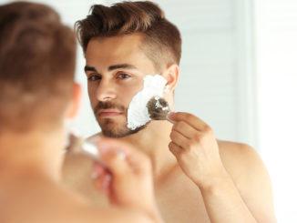 Richtig Gesicht rasieren | Foro: © Africa Studio - stock.adobe.com