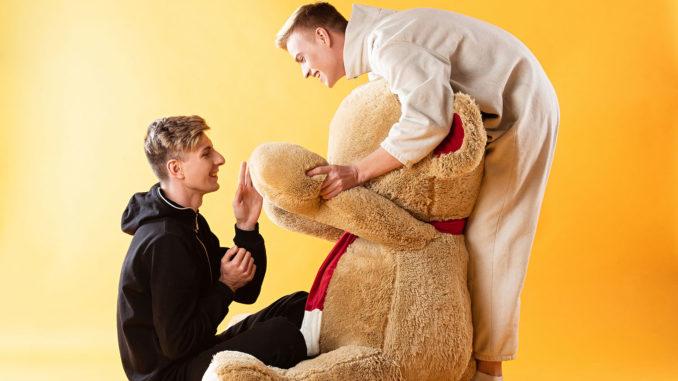 Sprache der schwulen Bären | © Natallia Lipchanka - stock.adobe.com